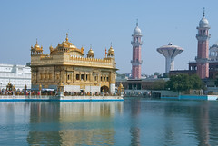 The Golden Temple (khalliballi) Tags: temple golden filter sikh bunga amritsar polarising d80 harmandar sarowar