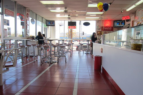 Hamburger Habit: Interior