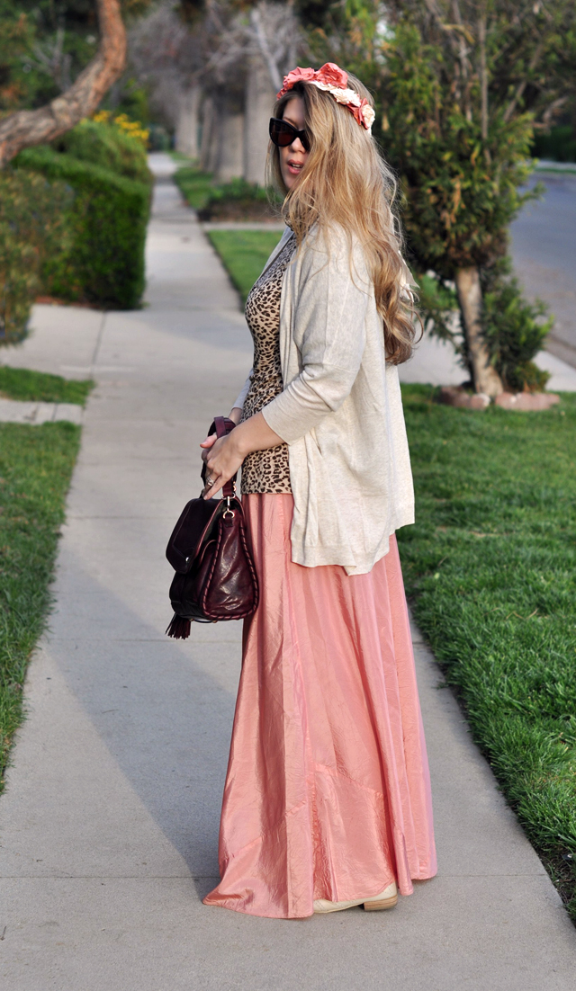 flowers in my hair, pink maxi skirt, long cardigan sweater, leopard top, cat eye sunglasses, DSC_0046