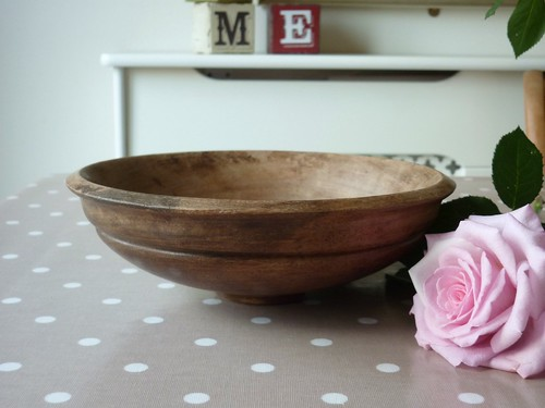 Little wooden bowl