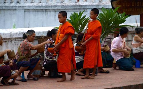 Luang Prabang - monjes
