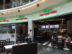 (yangkuo) Tags: midvalley shopfront mikeys newyorkpizza green glow neon iphone6 mobile