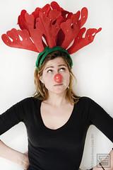 239.- (lucia meler maura) Tags: selfportrait rojo humor autoretrato colores rudolf reno cuernos nariz 2011 alce elcuartooscuroestudio