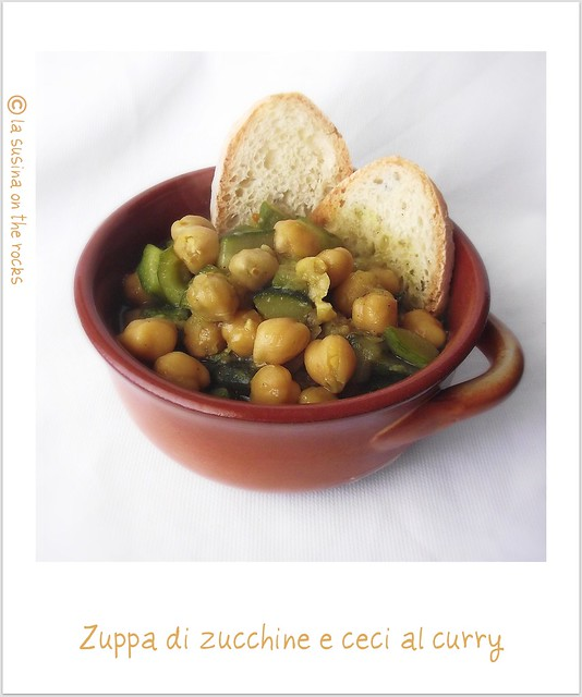 Zuppetta di ceci e zucchine al curry