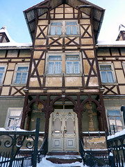 (Fanthomas (2)) Tags: door house facade germany deutschland thringen timber haus thuringia portal framing tor tr fassade steinbach truss colombages fachwerkhaus hallenberg steinbachhallenberg haseltal