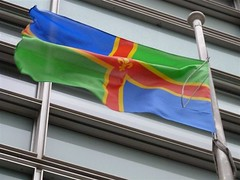 Lincolnshire flag flying outside Eland House (Department for Communities and Local Government) Tags: flags lincolnshire englishcounties dclg departmentforcommunitiesandlocalgovernment