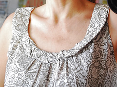 Simplicity 2593 neckline