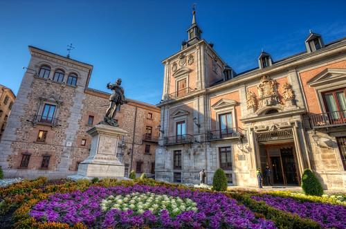 Monumento a Álvaro de Bazán, Plaza de la Villa, Madrid (Spain), HDR