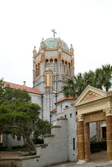 A bit of Spanish influence in Florida architecture - Memorial Presbyterian Church (Ron Hay) Tags: building church architecture florida spanish staugustine influence presbyterianchurch memorialpresbyterianchurch