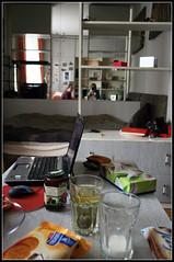 (irene navares) Tags: friends reflections tea laptop poland polska amigas krakw leche polonia cracovia t mleko niadanie dem herwata irenazielona irenkaczarna