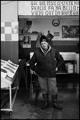 (Bru Bru!) Tags: portrait fisherman canon50mmf18 mercato ritratto pescatore fiumicino pesce blackwhitephotos canoneos450d