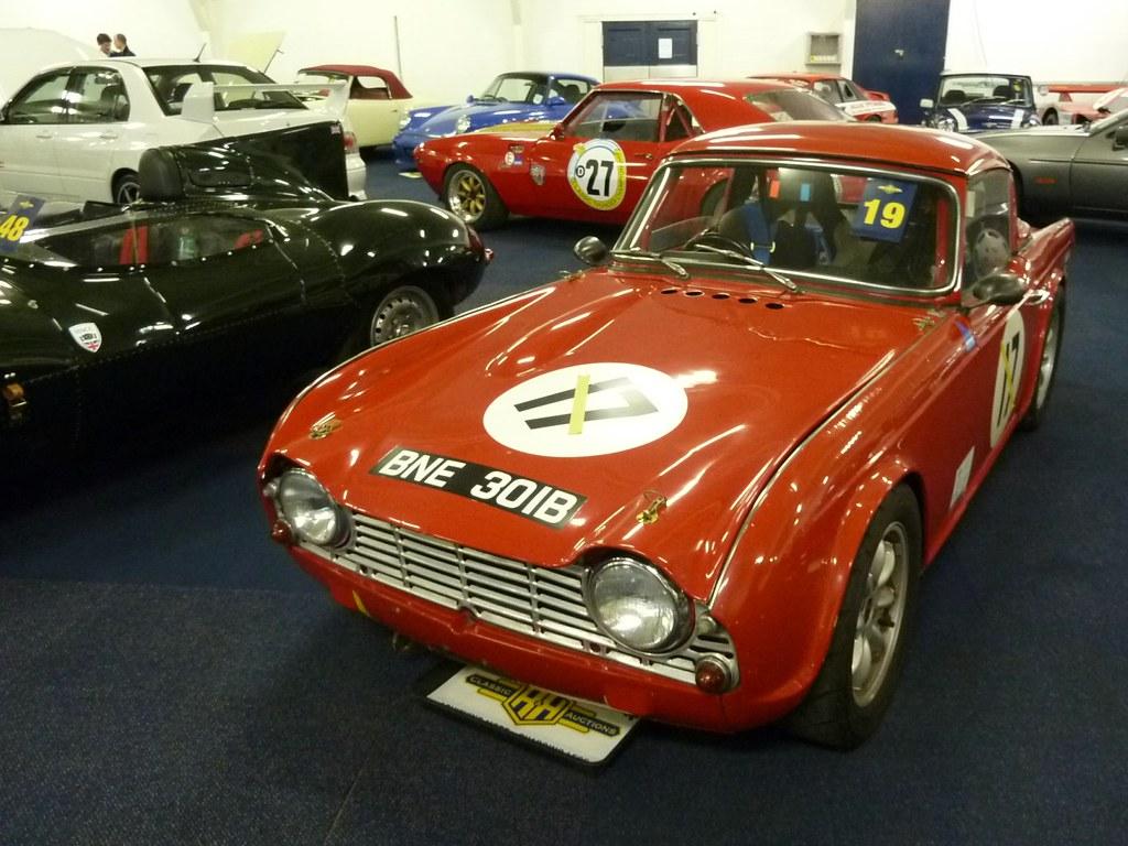 BNE 301B - 1964 Triumph TR4