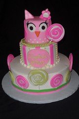 "Owl and lollipop birthday cake • <a style=""font-size:0.8em;"" href=""http://www.flickr.com/photos/60584691@N02/5524772733/"" target=""_blank"">View on Flickr</a>"