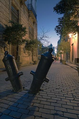 Amargura y Mercaderes.......Habana Vieja, Cuba.......EXPLORE by Rey Cuba
