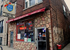 "Ola""s Liquors & Bar (Cragin Spring) Tags: door city urban chicago cold building beer sign bar illinois midwest neon entrance polska polish il alcohol tavern storefront booze liquors olas liquorstore piwo beersign polski damenave oldstylebeer zimepiwo"