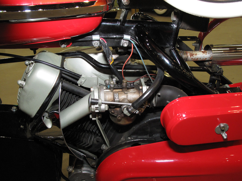 Cushman Silver Eagle overhead valve engine, 1965 model
