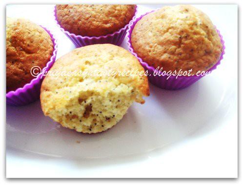 Eggless Lemon Poppyseeds Muffins