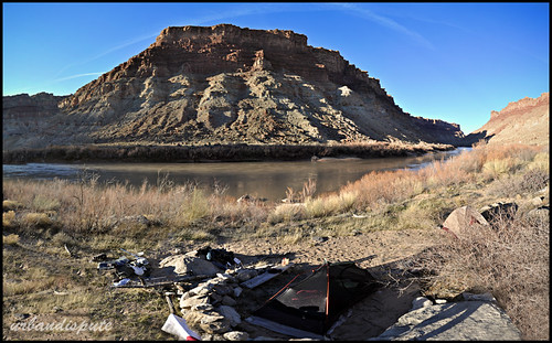 Colorado River camp, Needles side