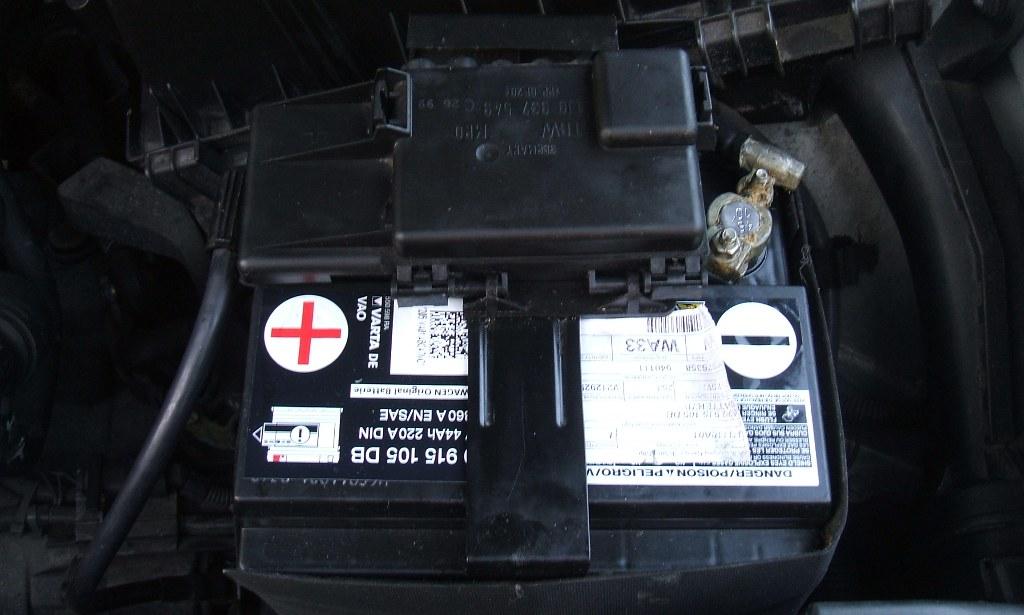 VW Golf 4 new OE Varta Battery 915 105 DB, 09-01-11 DSCF4001