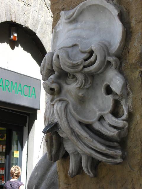 フィレンツェの水飲み場のフリー写真素材