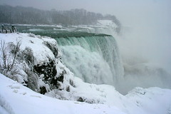 Colours of this Winter ! (Ming chai) Tags: winter snow ice niagarafalls niagara snowing niagarainwinter niagarausa whileitwassnowing coloursofthiswinter winterinniagara