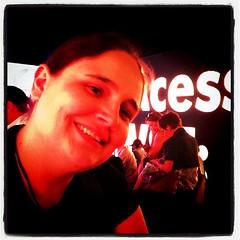 @angelaernesto - carinha feliz de quem tá migrando do mercado formal para as novas mídias