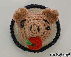 """Hogtied"" Pin! (Croshame) Tags: food apple fashion pig vegan pin crochet plate accessory hogtied"