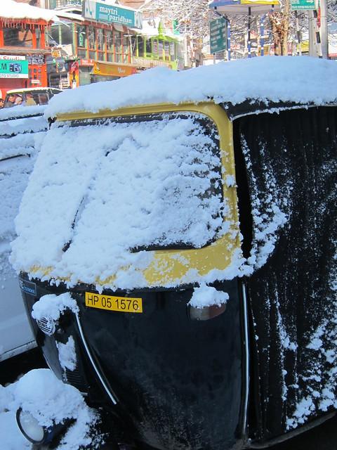 Snowy autorickshaw