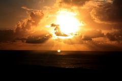 (Patricil) Tags: sunset sun sol set clouds pascua nubes crepusculo puesta easterisland isla rapanui isladepascua