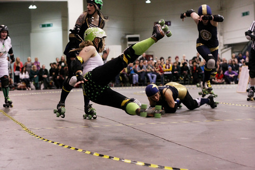 Ultraviolent Femmes vs Harbour Grudges - London Rollergirls