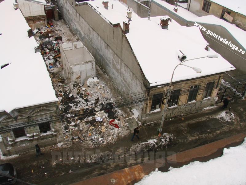 strada berzei in timpul demolarilor 2011