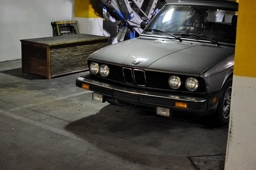 E28 hiding in the parking deck