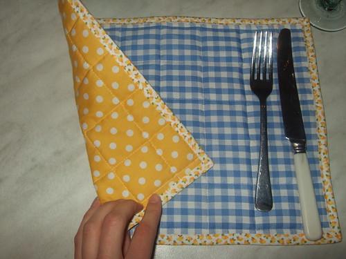 blue/yellow reversable mat