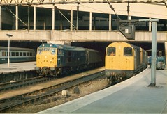 Parcels at  Birmingham New Street . Friday 24th-May-1985 . (AndrewHA's) Tags: blue train birmingham br rail railway loco class parcels british locomotive 31 20016 class20 31468