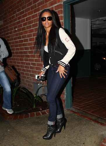ciara looking for rihanna