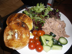 Toasted bagel & tuna salad