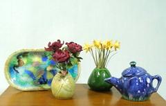 Tray, Vases, Starry Night Teapot (mostlyart) Tags: teapot teaset sushiset oneinchscale dollhouseminiatures miniatureflowers miniaturevase antiquedbowlsservingset
