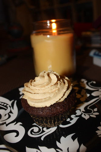Chocolate Cupcakes with Peanut Butter Cream Cheese Filling and Peanut Butter Frosting