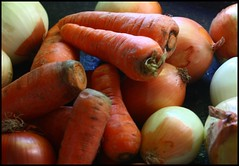 Vegetables (Carlos Casa) Tags: vegetables canon eos focus takumar super m42 manual ef bodegon xsi zanahoria vegetales cebolla foco enfoque 3535 450d bodegons