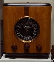 Zenith cube radio