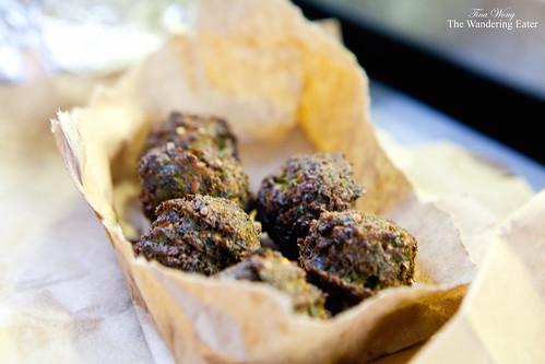 Green falafels (falafel platter)