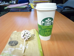 paid for latte free petite (Ambernectar 13) Tags: morning london skinny march chocolate thecity free starbucks marshmallows latte thursday potluck petite rockyroad venti tenses 2011 nonfat midmorningsnack sugarfreevanilla cakepop likeelevensesbutanhourearlier