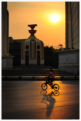 Street of bangkok...monument sunset (B.Image357) Tags: sunset monument bicycle thailand 50mm nikon bangkok f18 khaosanroad d90