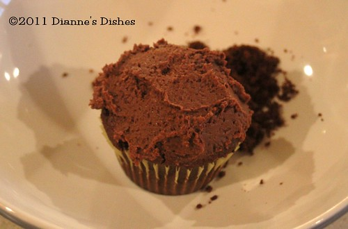 Glorious Chocolate Cream Filled Cupcakes: Frosted