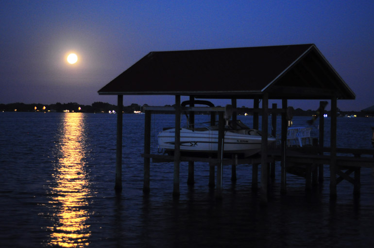 web_supermoon_boathouse_0048
