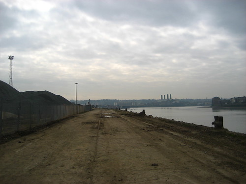Wharf and aggregate plant on the Greenwich peninsula