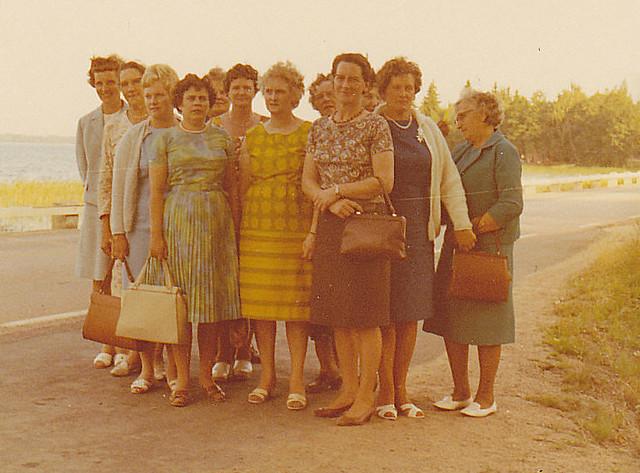 Damer från Ydrefors på bussresa Sweden 1966