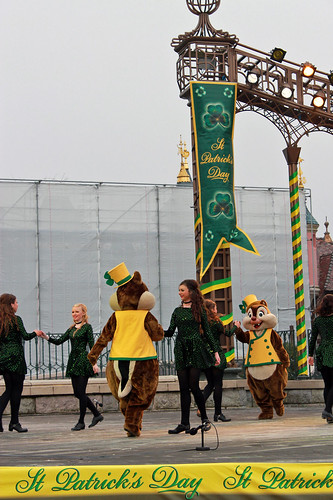 Feile Irish Dancers with Chip & Dale