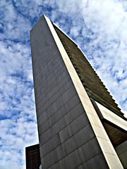 Federal Reserve (t55z) Tags: sky boston clouds skyscraper financialdistrict federalreservebuilding