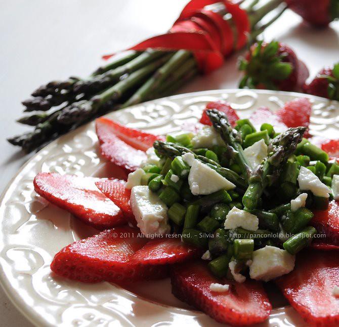 insalata di asparagi crudi, fragole e caprino 023
